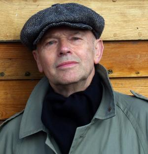 Författaren och dramatikern Henrik Valentin gästar Västerås med sin föreläsning