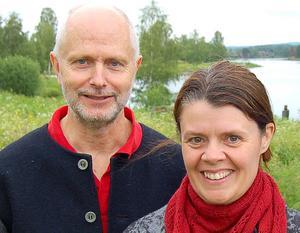 –De unga får ta över och vi stöttar. säger Matts och Anna-Karin.