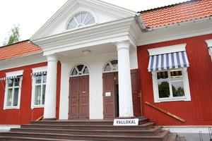 Den gamla kyrkskolan, närmast granne med Johannesgården, var en av vallokalerna i Alfta.