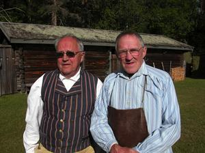 Veteraner. Olle Perjos och Åke Bäcke är två lokala aktörer som varit med i alla årgångarna av Skinnarspelet sen starten 1967. I år gjorde man sitt 41:a Skinnarspel.