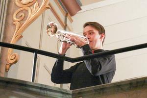 Martin Isaksson spelade trumpet. Bengt Isaksson, organist i Svegsbygdens församling stod för orgelspelandet.