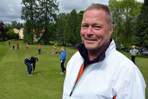 Mats Gustafsson, en av felra ledare på golflägret.