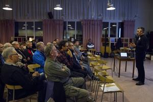 Under måndagskvällen bjöd Trafikverket in till samråd om den nya E4:an i Harmånger.