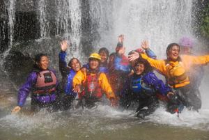 Att skapa sig en framtid i Nepal handlar River girls om.