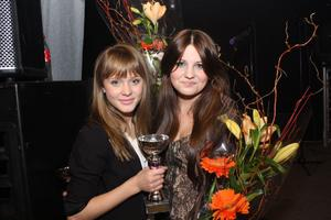 Vi vann! Zara Larsson och Mimmi Sandén tog hem förstapriset i varsin klass för solister i Helges talangjakt.