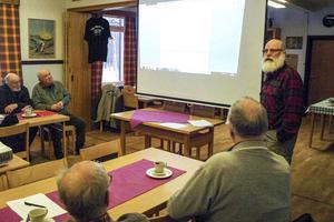 Vargdebattören Bengt Bixo från Mörsil föreläste om rovdjurens utbredning i Sverige. Han ställde den retoriska frågan