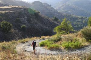 Att vandra på Sicilien är bättre på våren och hösten, när det inte blir lika varmt.