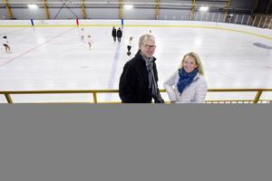 Lennart Schüllerqvist och Nina Zetterberg har jobbat länge för att övertyga politikerna om att bygga en hall.