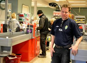 Mikael Norrbom, ägare av Ica Nära i Stöde, är snart klar med ombyggnationen av butiken, en investering på tre miljoner.