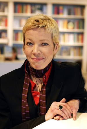 Katti Hoflin, som tagit initiativ till biblioteket tycker att det är bra att Tintin blir kvar.Foto: Jurek Holzer/SvD/Scanpix