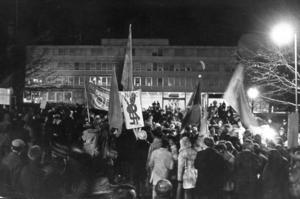 Vietnamdemonstration utanför USA:s ambassad i Stockholm. Bilden är från 1968.