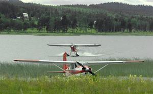 Det måste vara länge sedan det stod två sjöflygplan på Ullungens vatten i Edsbyn.