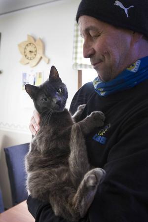 Katten Bosse håller ställningarna på fabriken.