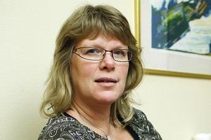 Annika Serrander, verksamhetschef för Hälsocentralen Centrum, anmäler sitt intresse för tre olika tjänser som länsklinikchef.