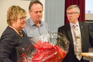 I december gjorde Göran Johansson sitt sista framtädande som sekreterare i kommunfullmäktige. Där tackades han av med 27 rosor – en för varje år – av bland andra Laila Borger (S) och Lennart Palm (S).