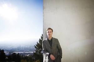 Jonas Jonsson            5 släpper snart andra egenfinansierade skivan. I branschen vet alla hur bra han är, återstår bara att fler fattar grejen