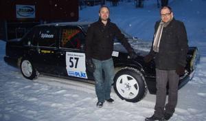 """Rallyföraren Anders Sjöbom och Per Sundberg, som driver Motorgården för Strömsunds unga """"bilmekare"""", bjuder på en riktig rallydag på isen sista lördagen i februari. Arrangemanget är en del  i kommunens nykterhetskampanj Vit februari."""