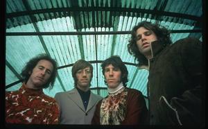 "Med andra ögon. ""When you're strange"" visar en annan bild av den excentriske sångaren Jim Morrison från The Doors.Foto: CCV Entertainment"
