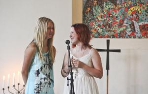 Emilia Aaltonen och Frida Andersson var konferencierer.