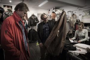 Andra generationen: Mats Heinemann har ärvt jackan efter sin pappa, men ärmarna behöver förlängas.
