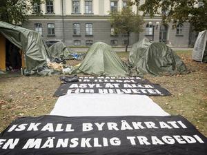 På grund av att de hungerstrejkande personerna är hotade och förföljda vill de vara anonyma.