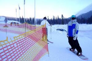Nya liftar hör till de långsiktiga planerna. När nya Fäbod- liften öppnade i januari blåste invigningen bort, men LT:s fotograf fann några åkare som trotsade kylan i Toppliften.