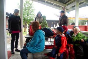 Annica Eriksson, till vänster, driver Hede camping med sin familj från och med 1 juni.