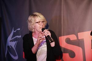 Även Gerda Bylund får ett högt betyg av Arbetarbladets recensent.