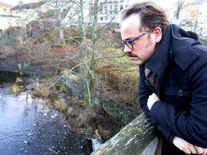 Länsstyrelsens handlingsplan för klimatanpassning i Gävleborg omfattar områden som hälsa, bebyggelse, naturmiljö,kommunikationer, teknisk försörjning, kulturmiljö och jord och skogsbruk. Christoffer Carstens samrordnar arbetet på länsstyrelsen.