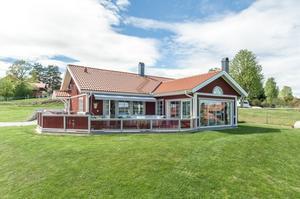 Huset byggdes 2011 och är 120 kvadratmeter stort.