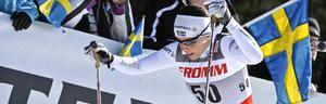 Charlotte Kalla åkte starkt, och höll sig på benen, vilket gjorde att Sverige kunde ta en andraplats i stafetten.