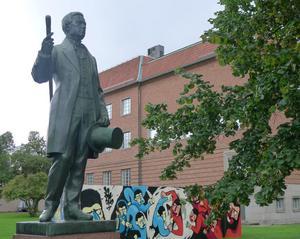 ... från det pampigaste huset styrs Gävle kommun än i dagPer Murén. En av många som förlorade pengar på Carl Magnus Norman.
