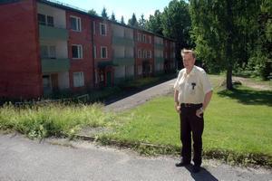 gammal hyresgäst. Kjell Mejerfjord, som en gång bodde i det här hyreshuset på Hauhogatan, menar att det är kapitalförstörning att riva husen.Foto: Conny Svensson