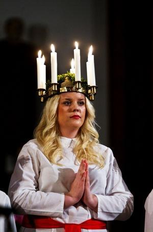 Lucia har glatt så många, berättade Lions Kurt Ydehall, innan han krönte Medelpads 77:e Lucia, Cassandra Sundin.