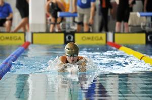 Johanna Nilsson, Örnsköldsvik öser på i vattnet.