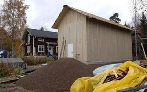 Här på James gård i Lissfors i Dala-Floda ska nya butiken ligga.FOTO: BERIT DJUSE