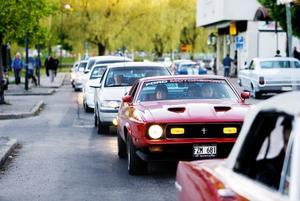 På lördag blir det fest i Söderhamn för alla som gillar gamla bilar.