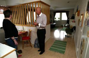 Georg Lord oroar sig för sin dotters och andra vårdtagares situation.