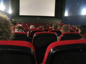 Rekordmånga såg en biofilm under julhelgerna. Till biografen kommer vi nog att strömma i ungefär samma utsträckning som i dag i ytterligare något decennium