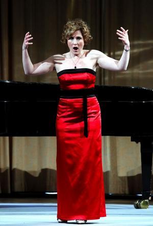 Marianne Hellgren Staykov, sopran vid Stockholmsoperan, samlade ihop några kolleger med tidigare anknytning till Hjördis Schymberg och gav en högklassig konsert till legendens minne.