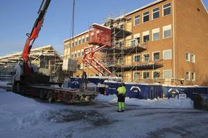 Bygget är i full gång och beräknas vara klart till höstterminen.