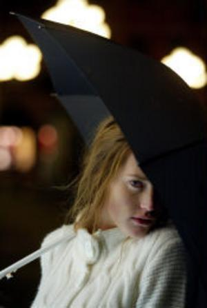 18-åriga Sundsvallstjejen Arwen Bergström är en av nio finalister i programmet Top Model på TV3. Hon fick åka med till Paris och tävla om ett jobb som fotomodell.