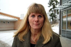 Johanna Dahlin, rektor på Hammarskolan, hoppas få stopp på brandincidenterna inne i skolan innan det händer något allvarligt.