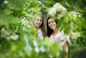 Nu går Britta Hans-Ers och Madelen Einarsen ut i gröngräset. Men redan till hösten börjar de samma utbildning – igen.