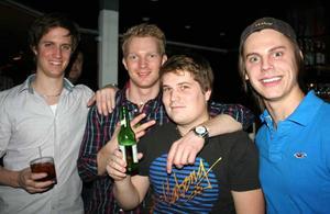 Blue Moon Bar. Bengt, Fredrik, Nils och Erik