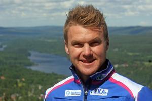 Sollefteå Skidklubbs Robin Bryntesson ska åka 100 mil på rullskidor, från Rossön till Trollhättan, för att samla in pengar till barn med diabetes.