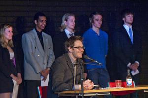 Ordförande Daniel Pettersson var imponerad av elevernas arbete.