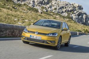 Med små exteriöra ingrepp har Volkswagen gjort en uppgradering av sin viktigaste modell. Det gäller att bevara märkets starka position efter avgasskandalen.