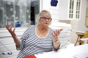 """""""Det är oerhört viktigt att de finska barnen som kom hit under kriget får samma rätt och skadestånd som de andra barnen får"""" säger Irja Olsson, ordförande i riksförbundet Finska Krigsbarn."""