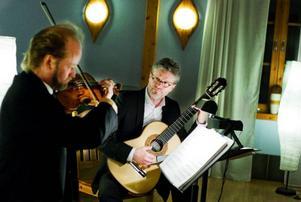 Intimt musikmöte med Duo a piacere, Mats Bergström och Joakim Svenheden. Foto: Ulrika Andersson